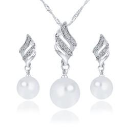Parure argentée, cristal et perle